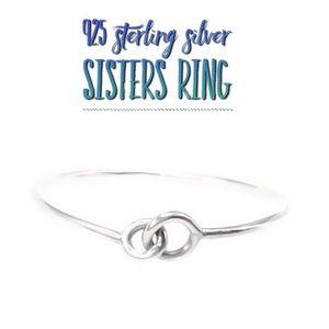 Interlocking circles infinity promise ring